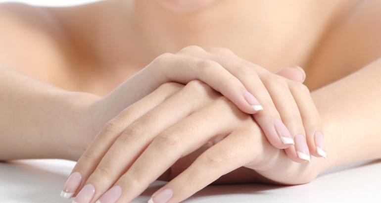 Jak pielęgnować przesuszone dłonie?